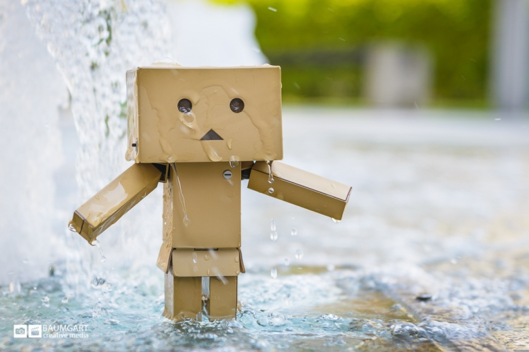 Danboard_playing_in_a_park_fountain_Jeff_Baumgart